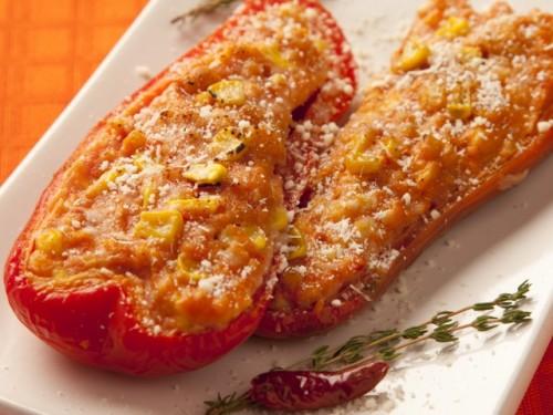 ricetta, ricette, cucina, ricetta con foto,contorno,antipasto,peperoni,peperoni ripieni,mais,cipolla,pomodoro,pangrattato,parmigiano,